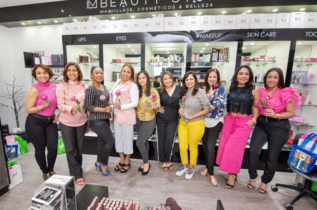 "Un ""Beauty Day Rosa"" para periodistas de Santiago"