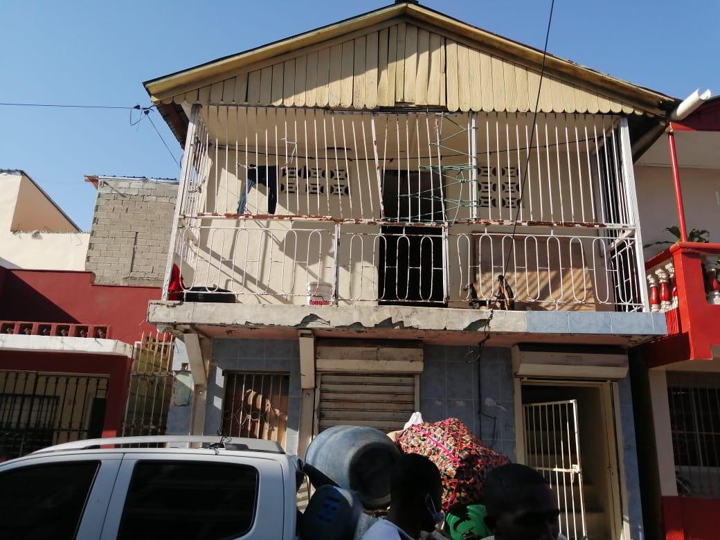 Policía Nacional apresa cuatro hombres por fabricar y comercializar clerén presumiblementeadulterado