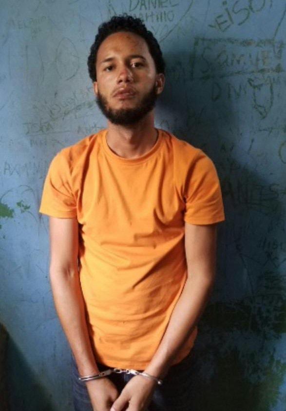 Policía Nacional arresta al confeso autor del homicidio de una persona por arma blanca y herir de balas a otra en el municipio dePuñal