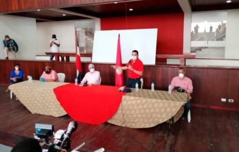 PRSC ratifica apoyo a Eduardo Estrella como candidato a senador deSantiago