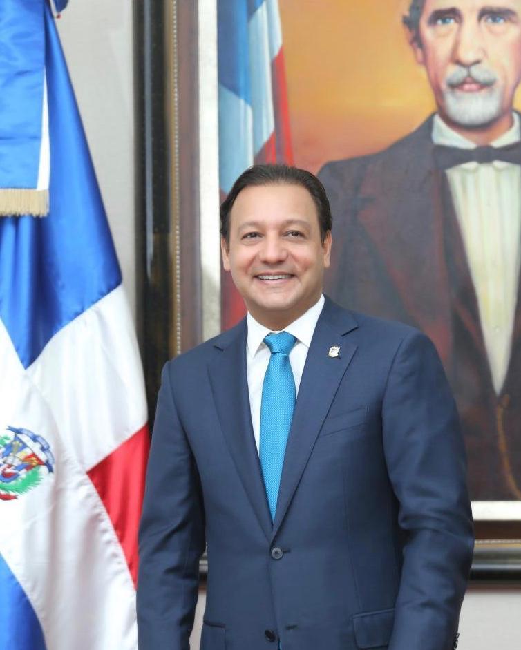 Abel Martínez dice pretensiones del PRM y Luis Abinader sobre otorgar nacionalidad a hijos ilegales haitianos es un atentado a la soberanía