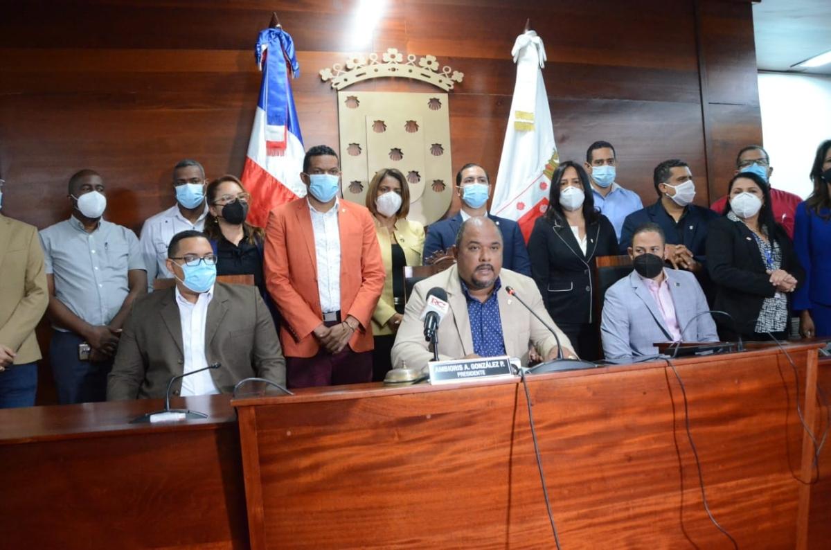 Regidores de Santiago rechazan acciones fiscal José Francisco Núñez contra alcalde AbelMartínez