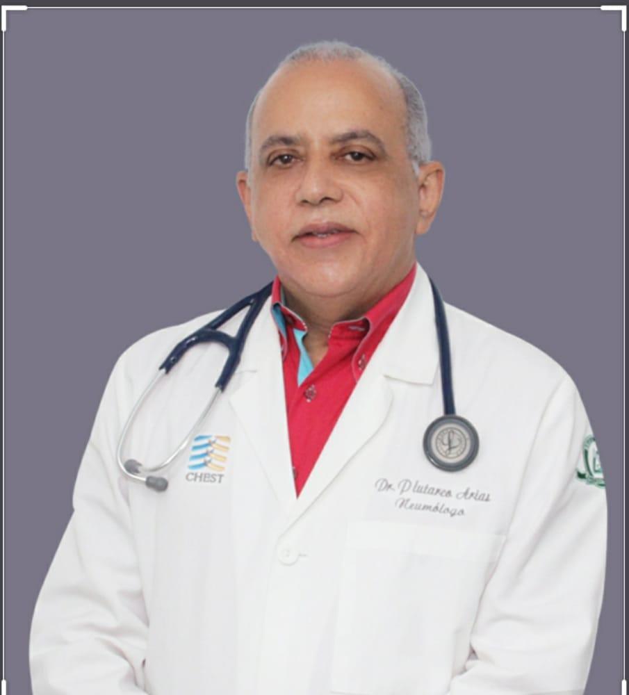 Médicos de Santiago dicen estar orgullosos del desempeño del ministro desalud