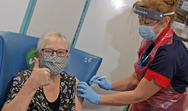 Salud Pública inició vacunascovid-19 envejecientes Santiago