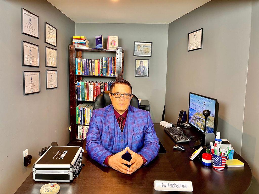 Impartirán clases de inglés por televisión con Míster Restituyo –  ELMENSAJERORD.COM