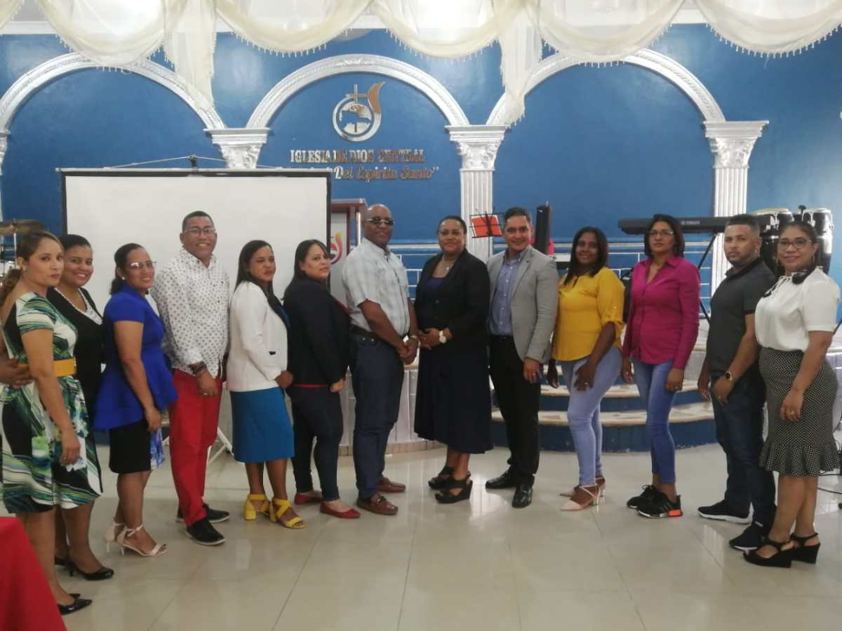 Juramentan directiva Asociación de Emprendedores Cristianos en la provincia SánchezRamírez.
