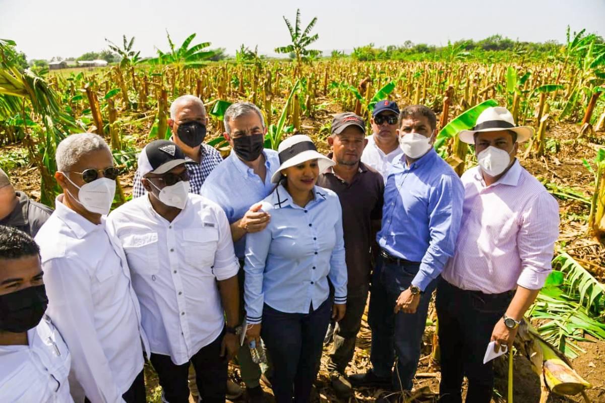Gabinete Agropecuario del Gobierno realizó un levantamiento de los daños provocados por ventarrón en  Mao, Valverde y prometen ayuda