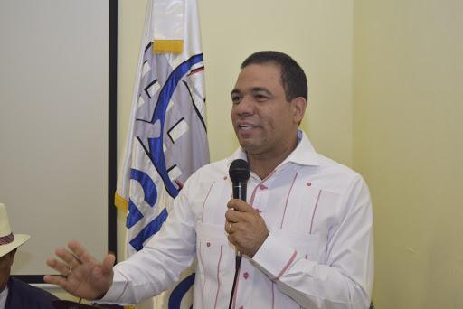 CDP Santiago Entrega Medalla alMérito
